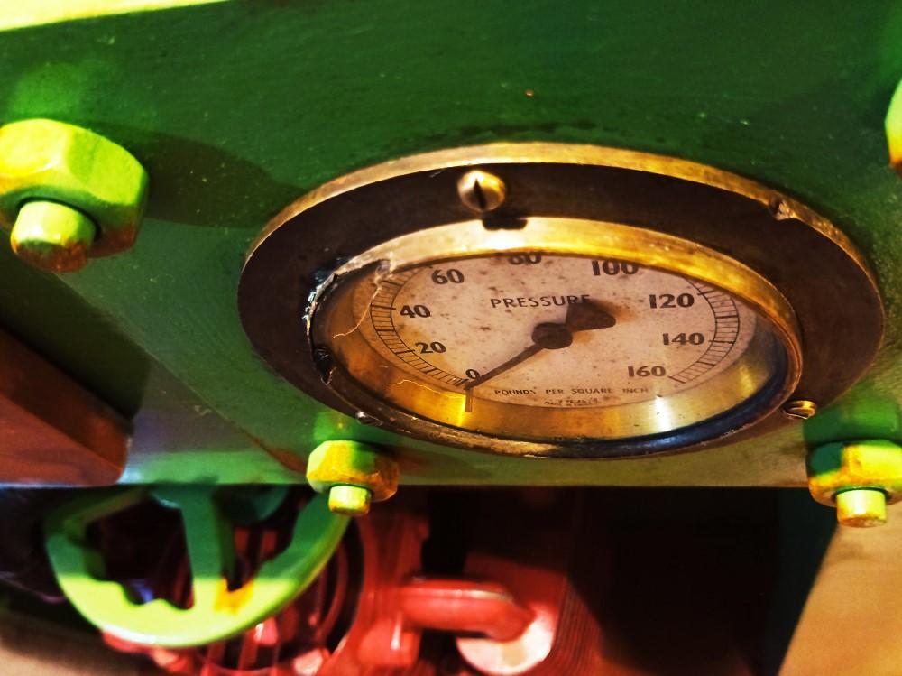 Sub Terra Escape Room pressure gauge